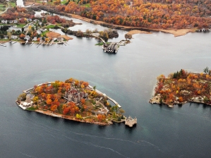 15-boldt-castle-fall