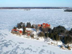 39-singer-castle-winter