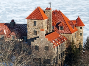 41-singer-castle-winter
